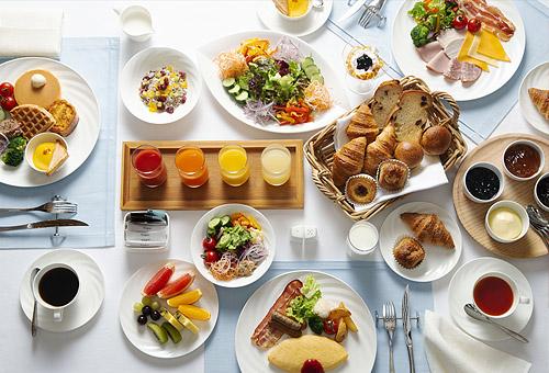 和洋ブフェまたは洋定食の朝食付き!!