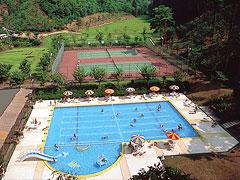 プール&テニスコート
