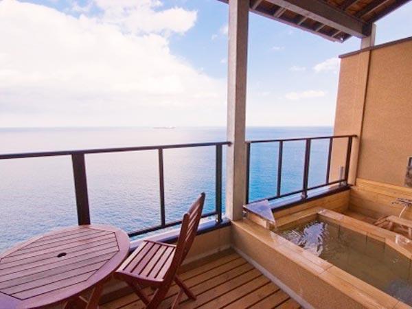 温泉は熱めで長風呂は難しい - かんぽの宿 富山の口 …