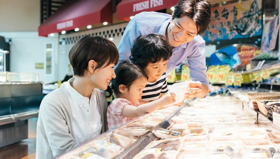 沖縄のスーパーで地元食材、お菓子探し♪