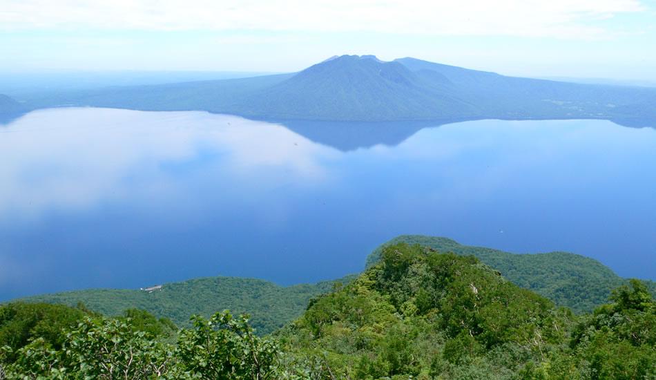 青の北海道を体感「支笏湖」