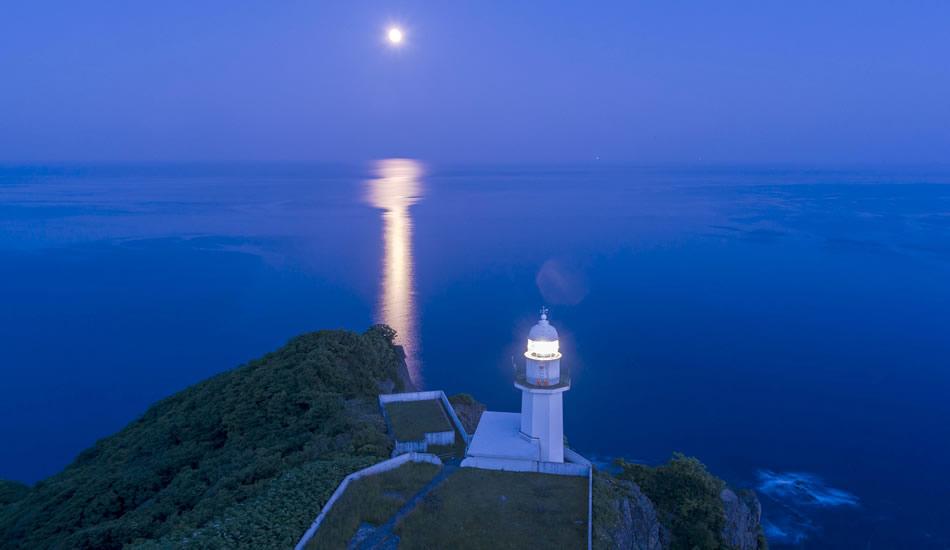 青の北海道を体感「地球岬」