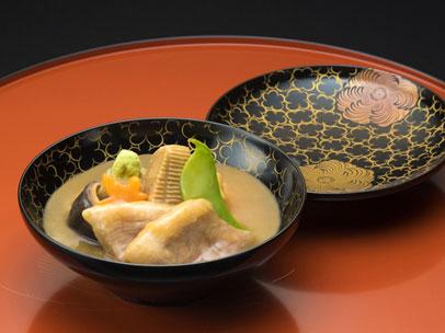 加賀屋グループ 料理旅館 金沢茶屋
