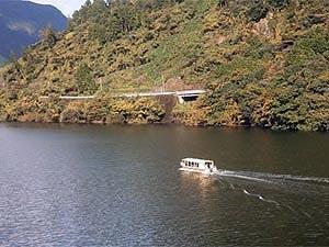 遊覧船「遊湖」~クルージング~