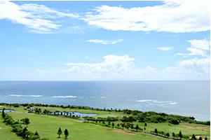 ロケーションが最高!沖縄ならではの絶景・リゾートゴルフ