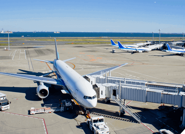 JR蒲田駅西口から徒歩2分。蒲田シャトルで羽田空港へ30分