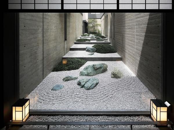 京都の風情を感じさせる中庭◆京都 和邸