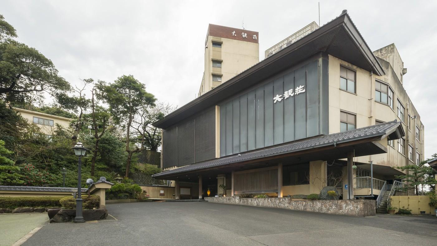 幼児連れで和倉温泉に行きます。食事を部屋だししてくれる温泉宿はありますか?