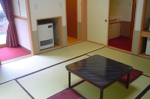白根温泉 加羅倉舘(からくらかん)