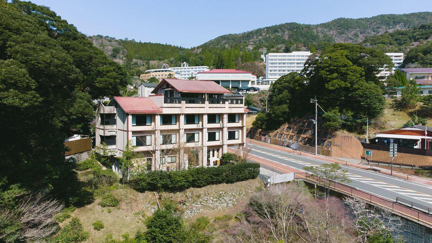 福岡のトライアスロン大会に出場するので近辺の温泉宿を知りたいです。