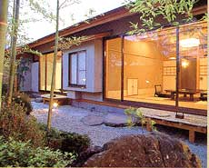 月岡温泉で家族4人が和室で泊まれる旅館は?