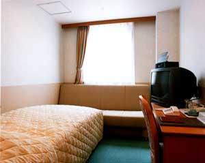 丘のホテルの室内