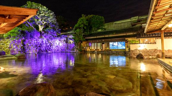 出雲大社の帰りに。館内に広い温泉とお茶ができる所がある宿。