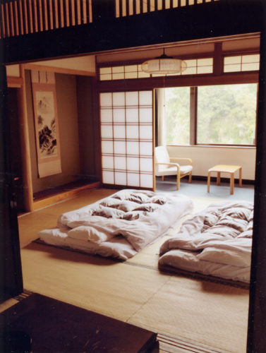 10畳+6畳の広々和室