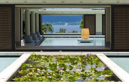 沖縄ホテル、旅館、ザ・リッツ・カールトン沖縄