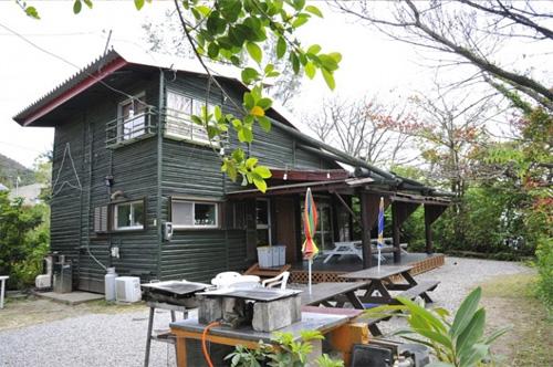 希望ヶ丘ペンション研修館3号館 緑の山小屋の外観