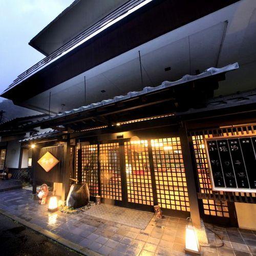 関東地方で滝行ができるスポットが近くにある宿のすすめは?