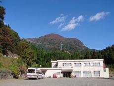 福井県立恐竜博物館へ行くのに便利な宿