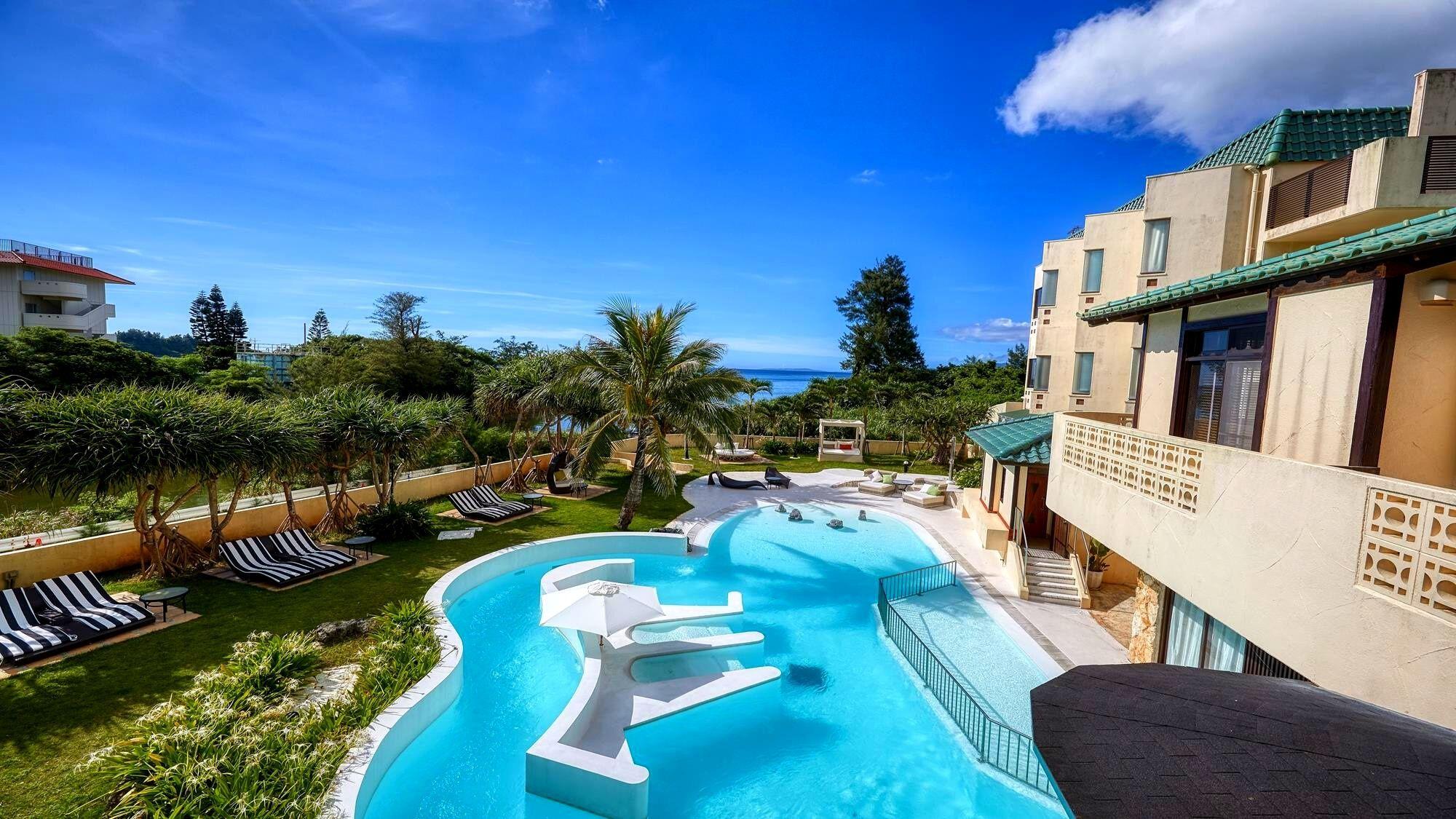 【沖縄】屋外プールが素敵なホテルを教えてください!