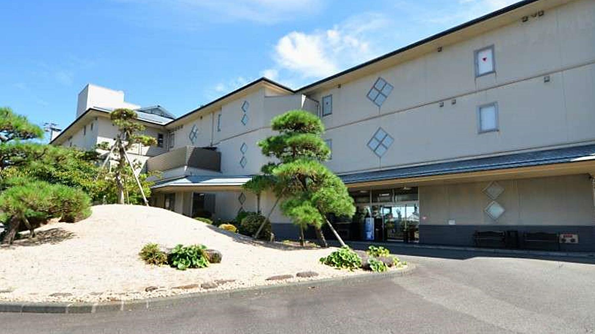 伊豆半島の河津桜まつり周辺で落ち着いた感じで過ごせる温泉宿を教えて下さい。
