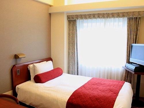 ハートンホテル京都(2021年5月リニューアルオープン)の客室の写真