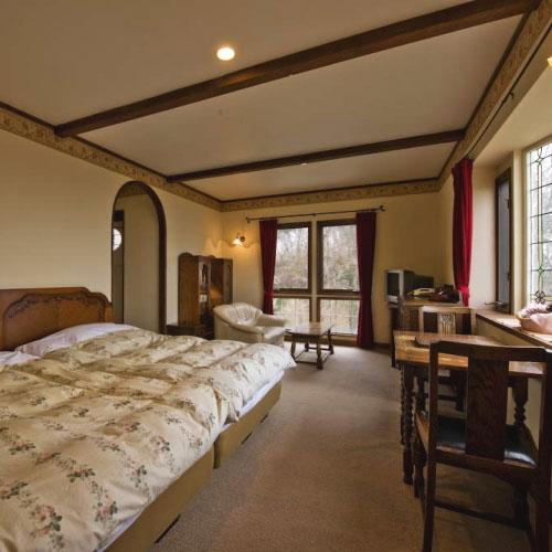 伊豆高原温泉 全室露天風呂付 英国調ホテル かえで庵 画像