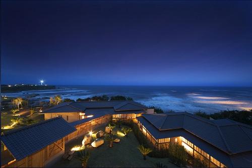 関東近郊で海水浴と温泉を楽しみたい!ビーチ近くなど、2万以下でおすすめの宿を教えて!