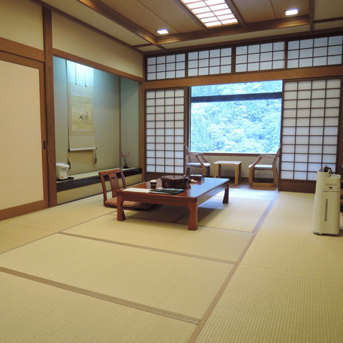 神通峡岩稲温泉 楽今日館の客室の写真