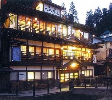 銀山温泉でインスタ映えする、おすすめのひなびた宿ってどこかありますか?