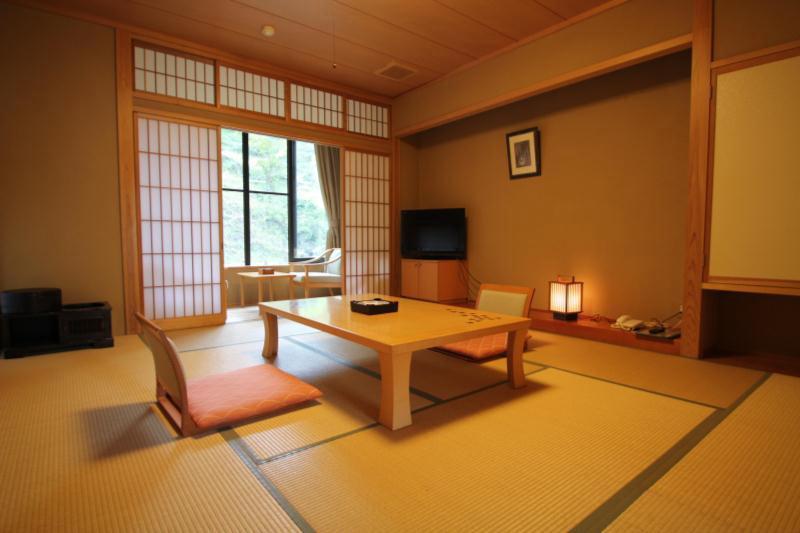 四季の湯宿 梅屋山荘の部屋画像