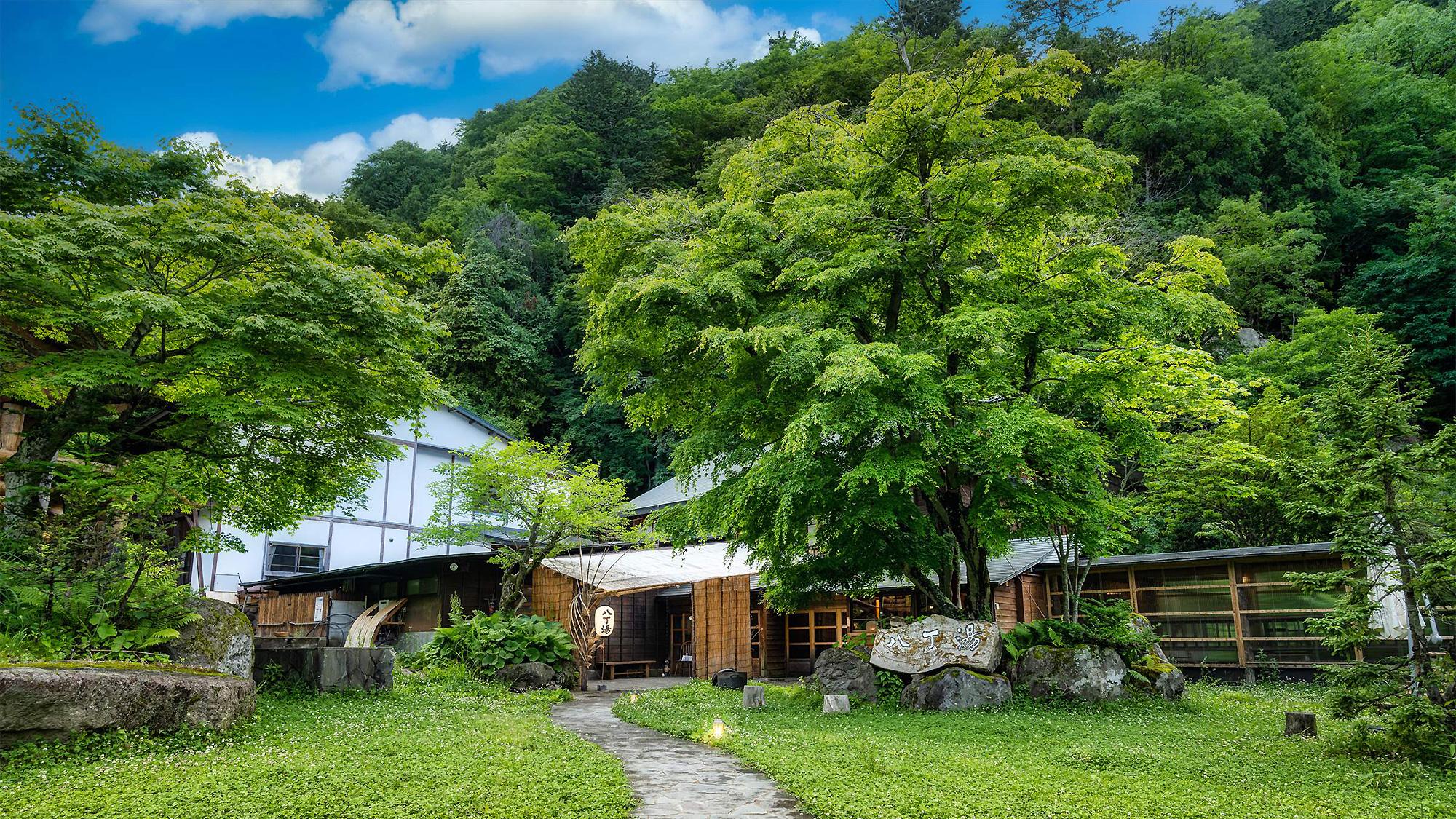 日光・奥鬼怒温泉郷の山の宿 八丁の湯