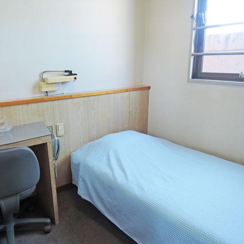 ビジネスホテル延岡の客室の写真