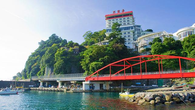 熱海にデートで温泉へいきます。バイキング・ビュッフェ・食べ放題などのプランがある宿を教えて!