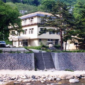 川俣温泉 国民宿舎 渓山荘 その1