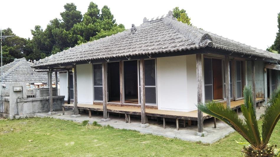 瀬底の家 Kinariwa...