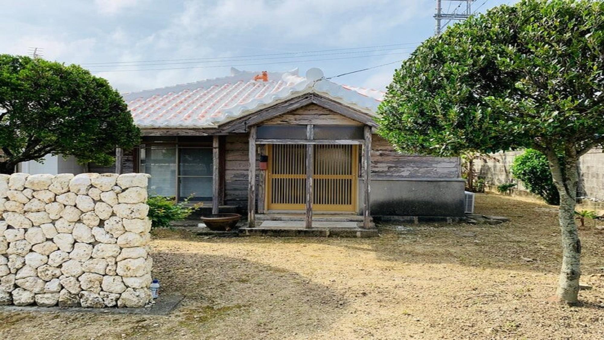 ★ゲストハウス瓦家(かわらや)★1棟貸し~沖縄の旧家屋、古民...