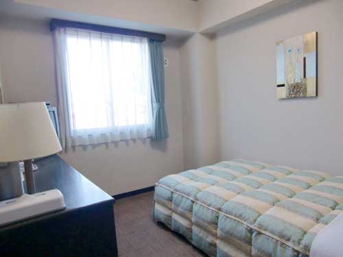 ルートイン伊勢崎南の客室の写真