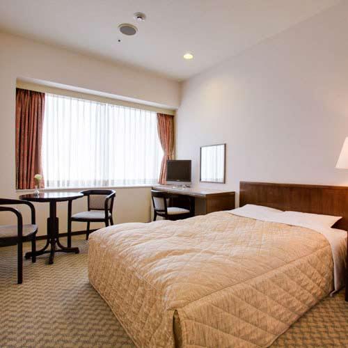 調布クレストンホテルの客室の写真