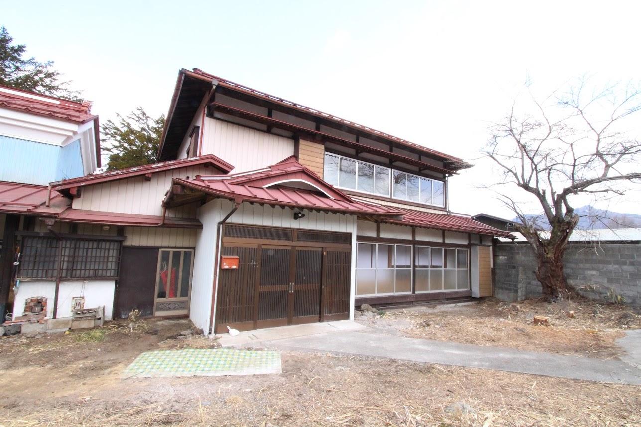 FUJI SAKURA HOUSE
