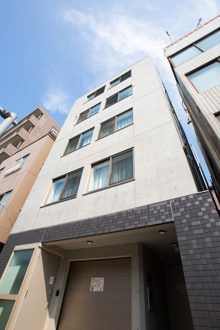 Laffitte Hirai Condominium Hotel