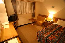 沖縄ホテル、旅館、HOTEL MARUKI (県庁前駅)