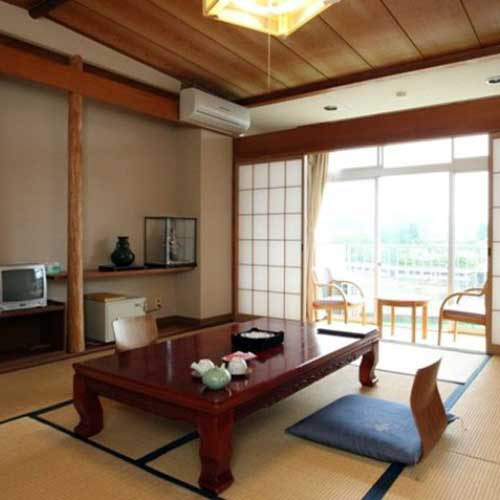 大自然の静寂と天然自噴温泉を愉しむ湯宿 亀山温泉ホテル 画像