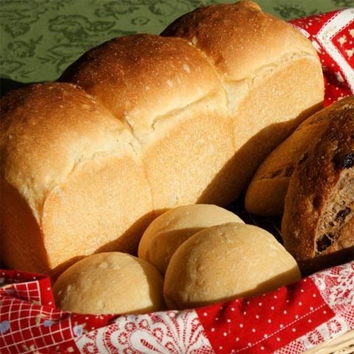 自家製酵母パンの宿 白馬山麓栂池高原プチホテルシャンツェの客室の写真