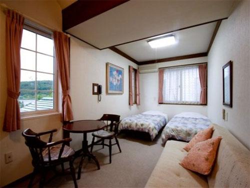四季彩の宿 白樺湖畔 リトルグリーブの客室の写真