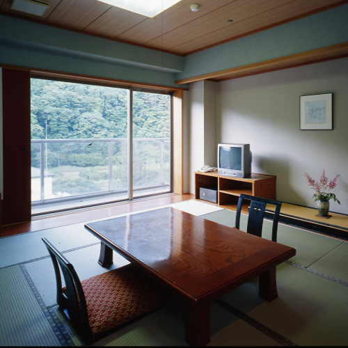 源泉遺産 那須塩原別邸の客室の写真