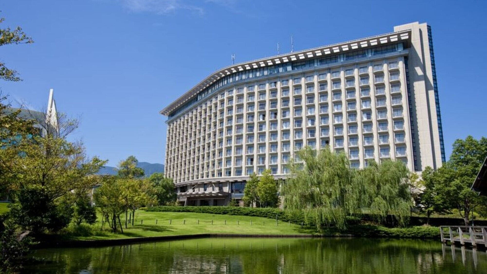 鎌倉周辺で、エステと温泉のあるおすすめのホテルを教えてください!