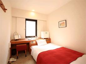 博多ターミナルホテルの客室の写真