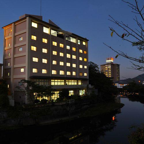 嬉野温泉でおいしい湯豆腐が味わえる温泉旅館を探しています。
