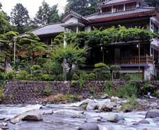 静岡を観光したい、あちこち行くのにアクセス便利なお宿