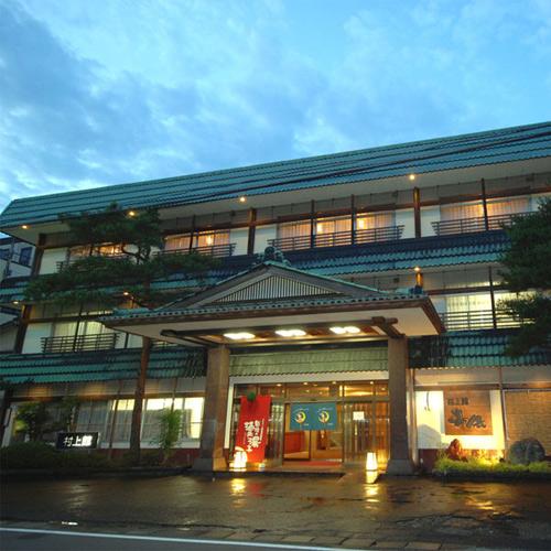クリスマスに瀬波温泉に行くのでカップルプランや貸切風呂がある宿を教えて下さい。